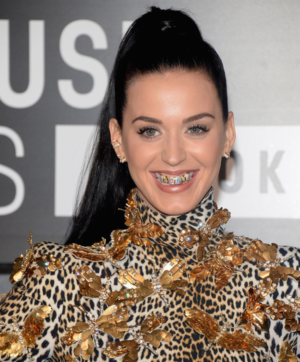 le_grill_dentaire_de_katy_perry_aux_mtv_vma_4618